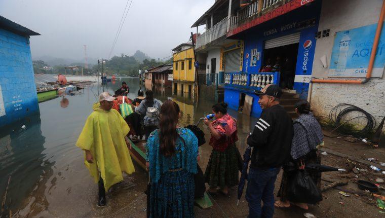 Campur, en Alta Verapaz, es una de las comunidades que más daños sufrió luego del paso de las tormentas Eta y Iota. (Foto Prensa Libre: Juan Diego González)