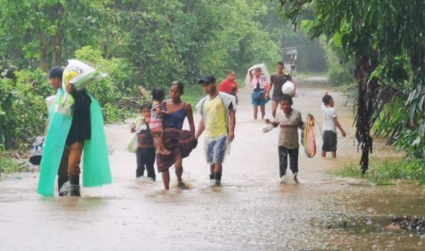 Al menos 317 albergues están habilitados aún para atender a afectados por Eta e Iota
