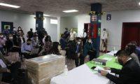 En la comuna capitalina se recibieron las ofertas para la construcción del aerometro. (Foto Prensa Libre: Municipalidad de Guatemala)