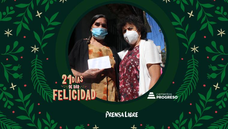 Los beneficiados agradecieron la canasta navideña y el dinero que recibieron de parte del gurpo de cuchubal. (Foto Prensa Libre: Jorge Ovalle)