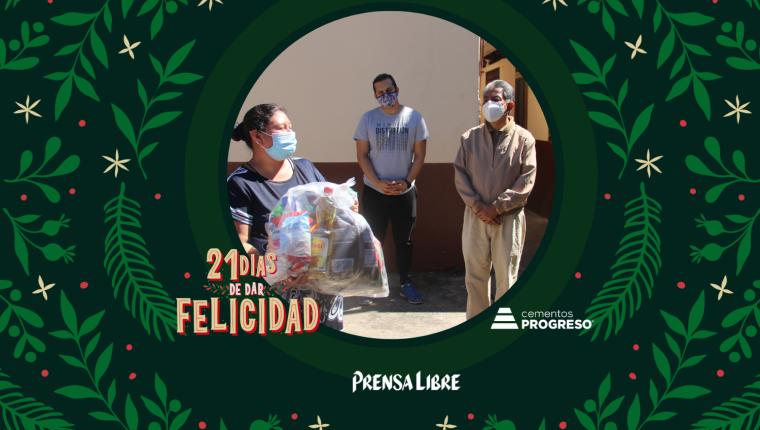 El grupo de jóvenes de la iglesia Verdad y Vida ayuda desde hace varios años a personas necesitadas. (Foto Prensa Libre: Jorge Ovalle)