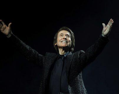 Polémica por el concierto de Raphael con 5.000 asistentes pese a la epidemia