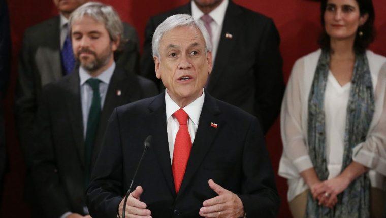 El presidente de Chile, Sebastián Piñera, se denunciará a sí mismo por pasear sin mascarilla