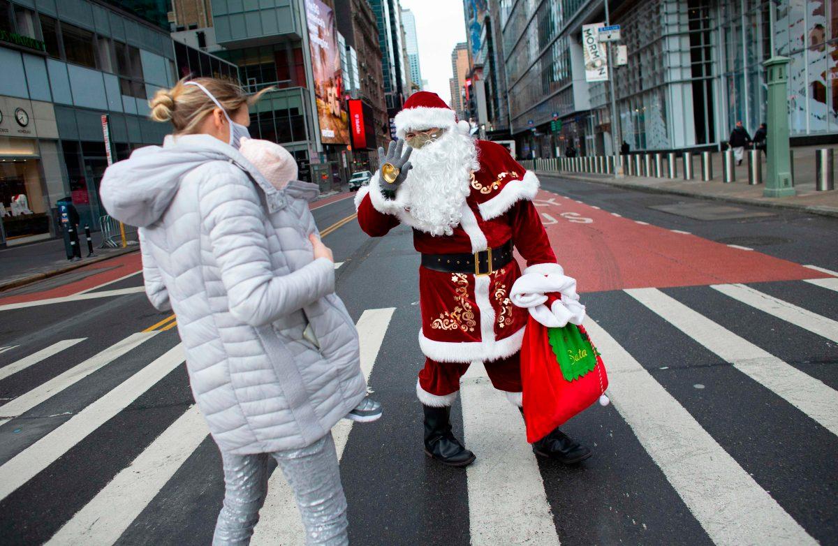 Darwin: el guatemalteco que se disfrazó de Santa Claus en Nueva York para ofrecer una Navidad diferente en la pandemia