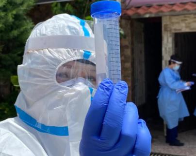 Autoridades de salud de Costa Rica aún no reportan ningún caso confirmado de reinfección por covid-19. (Foto Prensa Libre: VOA)