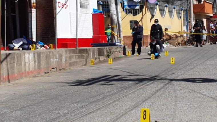 Dos mujeres murieron en cercanías de la sede del MP en Cuilapa, Santa Rosa. Foto Prensa Libre.