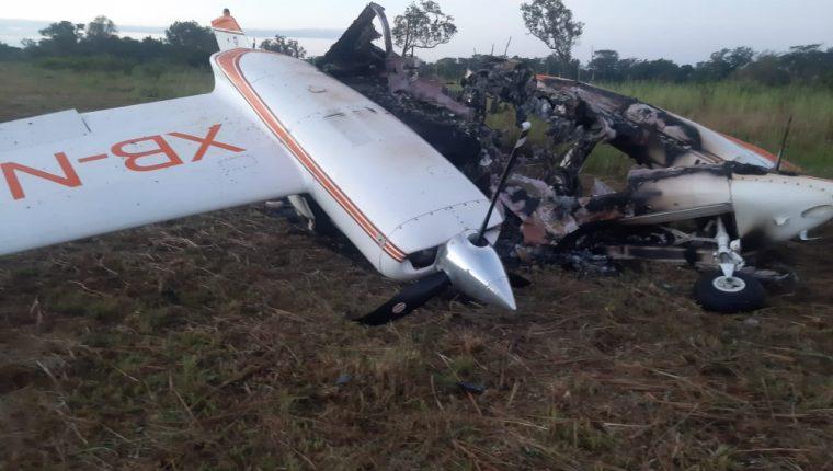 La aeronave incinerada fue localizada a las 10:00 horas este 30 de diciembre en Petén. Foto Prensa Libre: Ejército.
