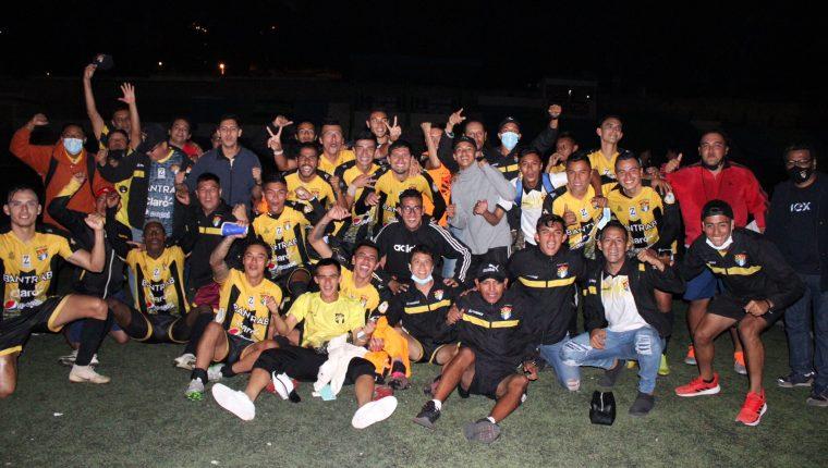 Aurora FC llegó a semifinales tras una llave en la que empató tanto en el juego de ida como en el de vuelta ante el Deportivo Mixco, pero en la que el gol de visita hizo la diferencia. Su rival en semifinales será Puerto San José. (Foto Prensa Libre: Cortesía Aurora FC)