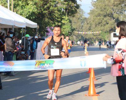 Erick Barrondo y Maritza Poncio, los mejores del Campeonato Internacional Preparatorio de Marcha de Baja Verapaz