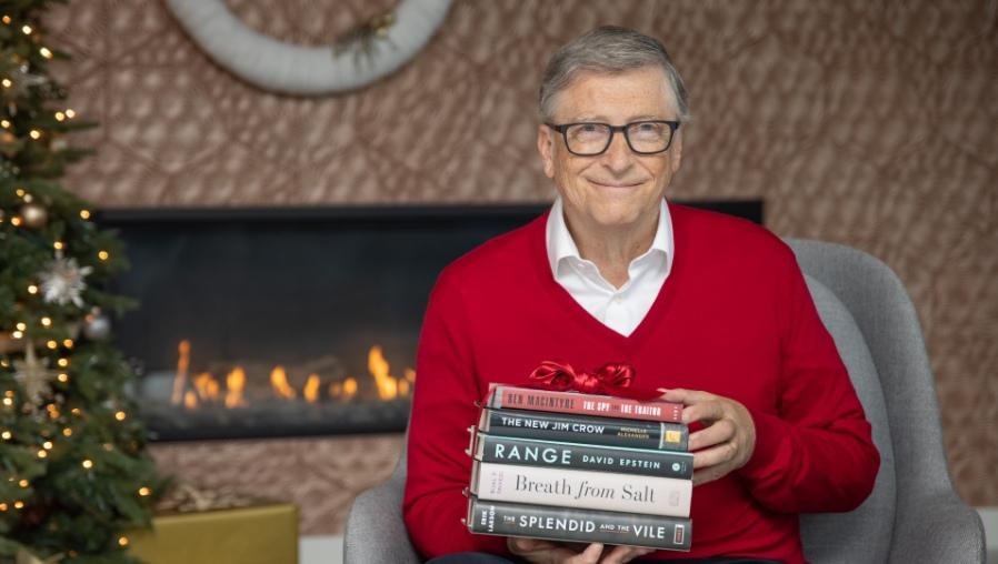 Los 5 libros preferidos de Bill Gates (por qué los recomienda y de qué tratan)