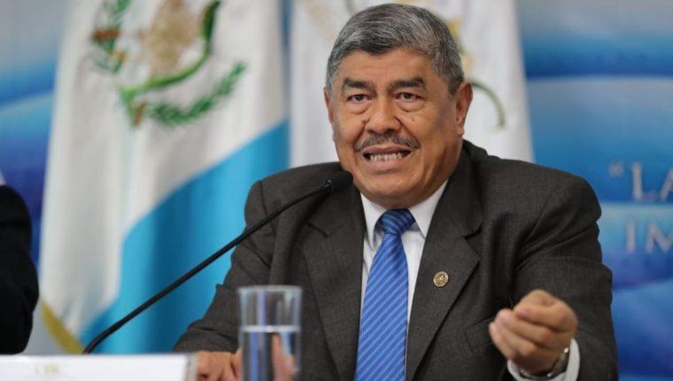 Solicitan el retiro del derecho de antejuicio para el diputado Carlos Mencos por posibles anomalías cuando fue contralor