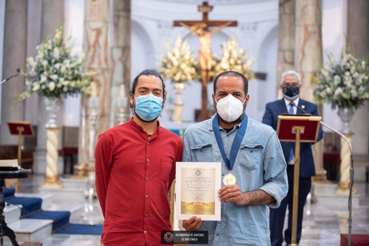 """Arzobispado otorga la orden """"Monseñor Juan José Gerardi"""" a tres defensores de derechos humanos"""