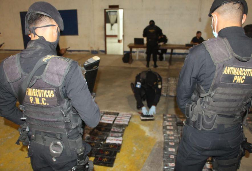 Jet que se estrelló en Petén llevaba 342 kilos de cocaína (equivalente a Q34.2 millones)