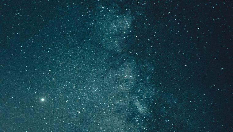 Existen algunas teorías sobre la Estrella de Belén y de qué ocurrió durante el nacimiento de Jesús.  (Foto Prensa Libre: Ave Calvar Martinez/Pexels).