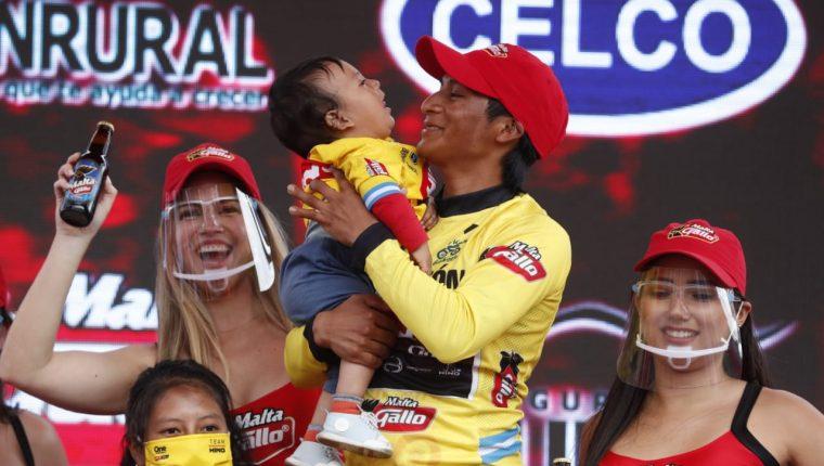 Mardoqueo Vásquez puede reclamar su título y su premio como campeón de la 60 Vuelta Ciclística a Guatemala sin ningún problema, pues no se encontró ningún resultado adverso en sus pruebas de dopaje. (Foto Prensa Libre: Esbin García)