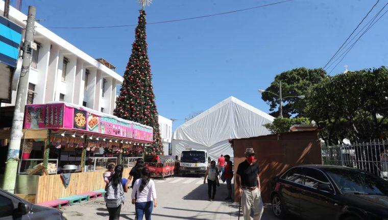 Municipalidad de Mixco planea inaugurar el 13 de diciembre una pista de patinaje sobre hielo. (Foto Prensa Libre: Esbin García)