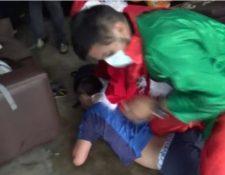 El operativo antidrogas de la policía peruana se desarrolló en una ciudad de Lima. (Foto Prensa Libre: Captura video Youtube)