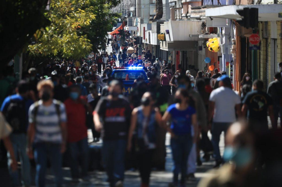 """""""La segunda ola covid-19 está acá"""": Asturias habla de la situación que atraviesa Guatemala y la nueva cepa del coronavirus que afecta a otros países"""