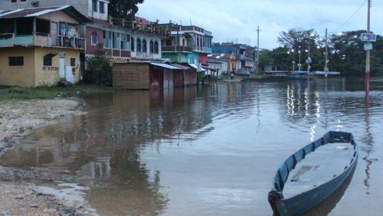 Las tormentas Eta e Iota provocaron la crecida del Río la Pasión. (Foto Prensa Libre: Hemeroteca)