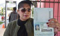 Los guatemaltecos en el extranjero pueden tramitar su pasaporte en los consulados del país. (Foto Prensa Libre: Hemeroteca PL)