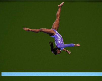 ¿Será que con práctica todos podríamos desafiar la gravedad como Simone Biles?
