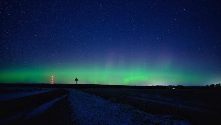 La aurora boral vista desde Munlochy, una pequeña localidad de Black Isle, en las Tietrras Altas de Escocia.