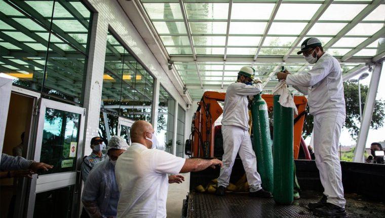 Oxígeno está llegando desde otros estados de Brasil, pero la situación sigue siendo crítica.