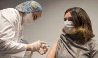 Varios países han comenzado ya con la vacunación masiva de su población. REUTERS