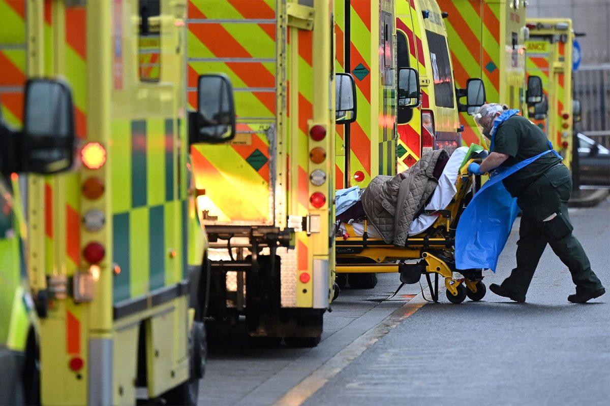 Coronavirus: qué errores se cometieron en Reino Unido para que se convirtiera en el primer país europeo en superar las 100.000 muertes por covid-19