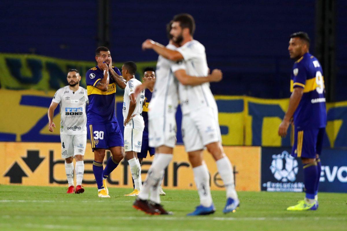 Boca Juniors y Santos empatan sin goles y definirán la serie en Vila Belmiro