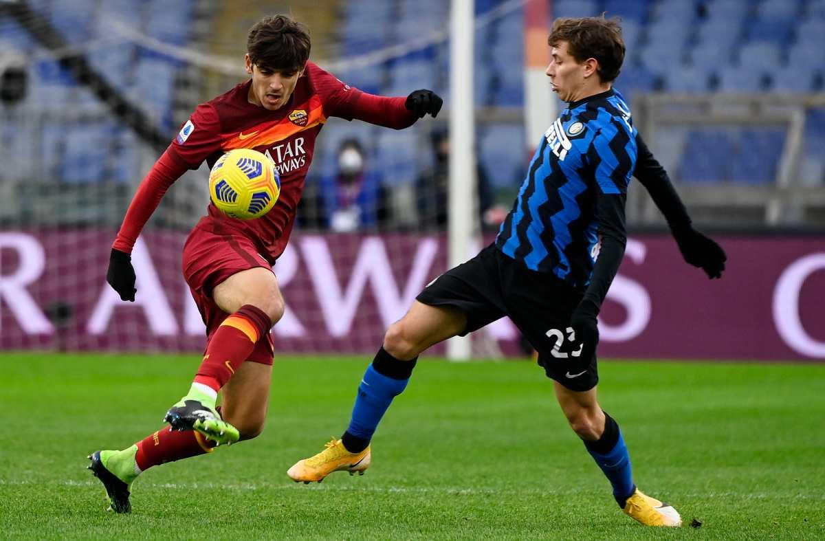 Roma e Inter empatan y le dan un respiro al AC Milan en el liderato