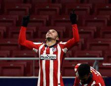 El delantero argentino del Atlético de Madrid Angel Correa celebra el primer gol de su equipo ante el Sevilla Foto Prensa Libre: EFE.