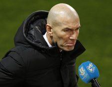 El técnico francés del Real Madrid, Zinedine Zidane, a la finalización del encuentro correspondiente a la segunda semifinal de la Supercopa de España. (Foto Prensa Libre: EFE)