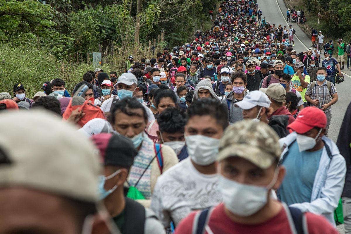 Caravana migrante: México exhorta a Honduras a contener la salida desordenada de su población