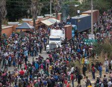 Un grupo de migrantes hondureños formó la primera caravana con destino a la frontera Sur de Estados Unidos. (Foto Prensa Libre: Hemeroteca)