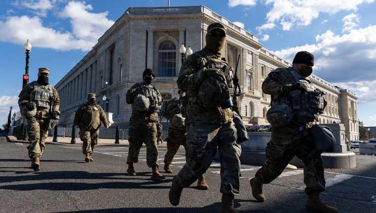 Agentes de la Guardia Nacional de Estados Unidos en Washington. (Foto: AFP)