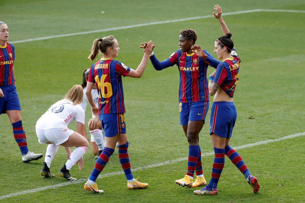 4-1. El Barcelona golea al Real Madrid y es más líder