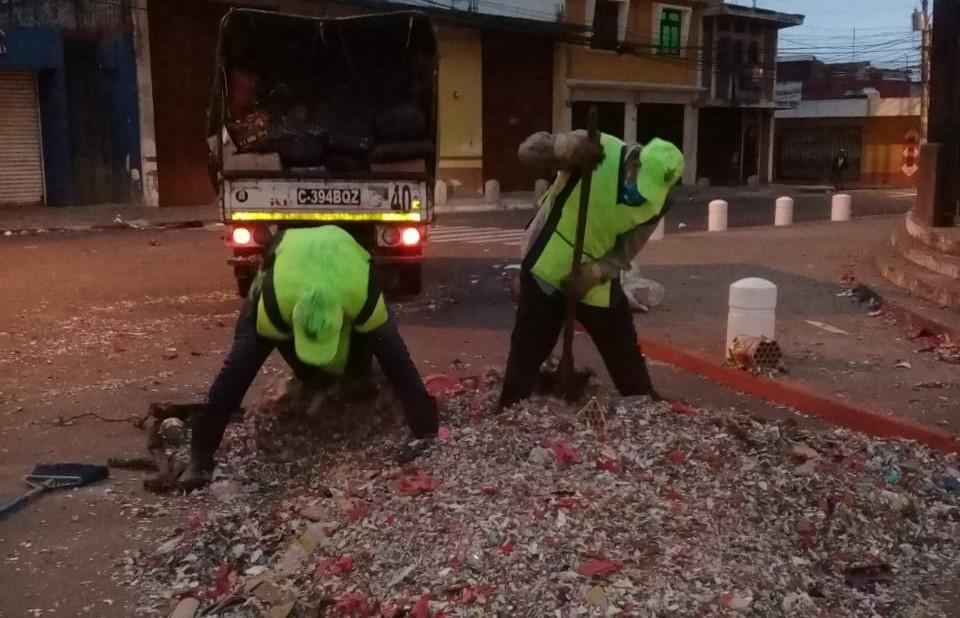 Recolectan más de 300 toneladas de basura durante fiestas de fin de año y estas son las zonas con más contaminación