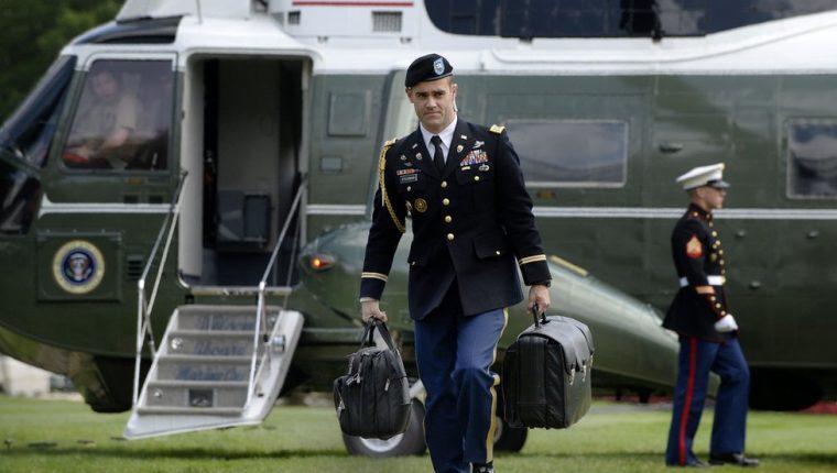 El maletín nuclear viaja a todos los lugares a los que el presidente de Estados Unidos va.