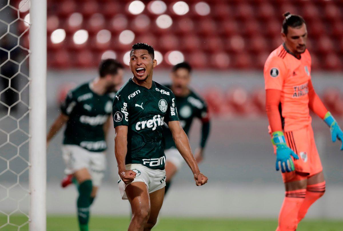 Palmeiras goleó 3-0 a River en Buenos Aires en ida de semifinales de Libertadores