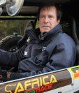 El francés Hubert Auriol en su vehículo buggy en una foto tomada en diciembre de 2010. (Foto Prensa Libre: AFP)
