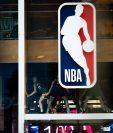 Casos positivos de covid-19 aquejan a equipos de la NBA. Foto Prensa Libre: AFP.