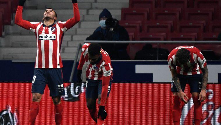 El argentino, Ángel Correa, uno de los dos goles del Atlético de Madrid en la victoria ante el Sevilla. Foto Prensa Libre: AFP.