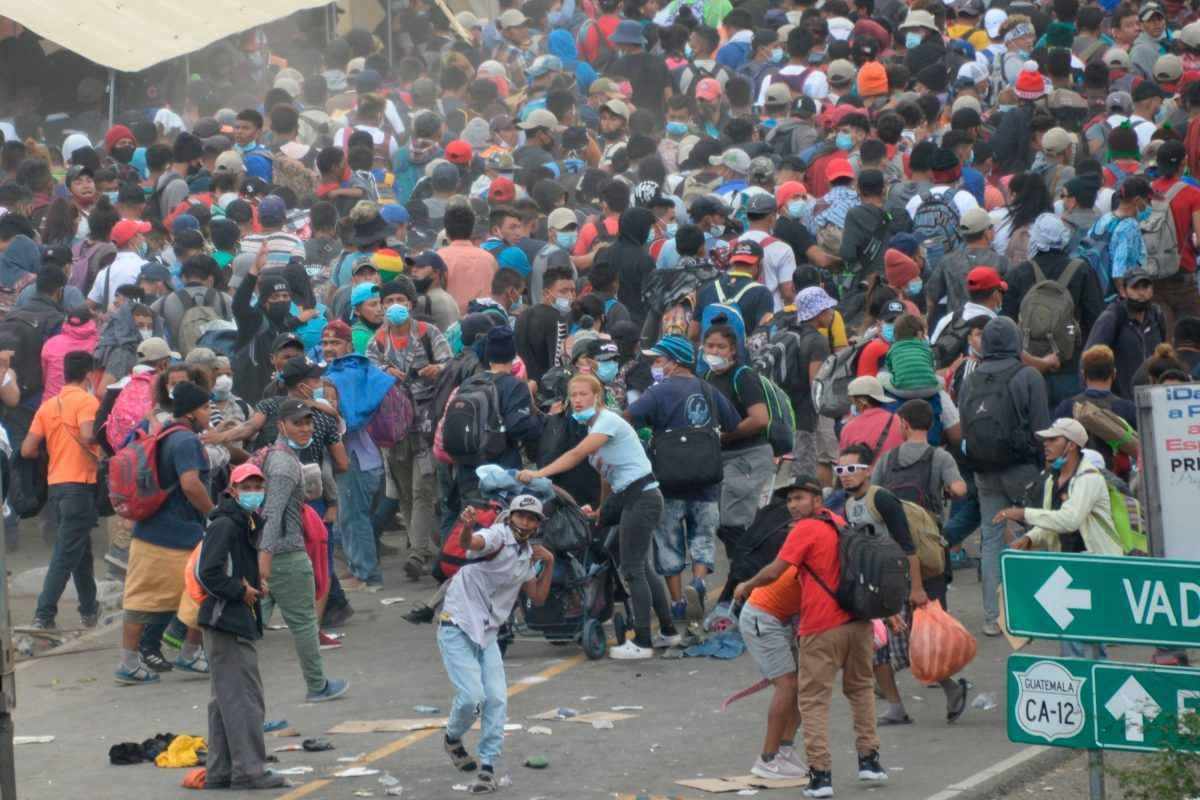 Tensión por caravana: Guatemala señala que Honduras incumplió compromisos para disuadir a migrantes
