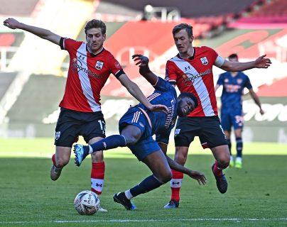 El Arsenal no pudo ante el Southampton y cayó 1-0 en la FA Cup. (Foto Prensa Libre: AFP)