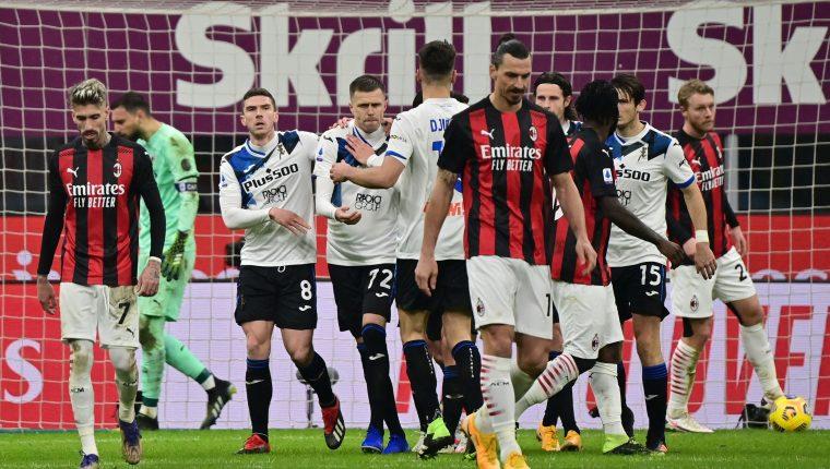 El Atalanta le propinó al AC Milan su segunda derrota del año, esta vez por 0-3 en la Serie A. (Foto Prensa Libre: AFP)