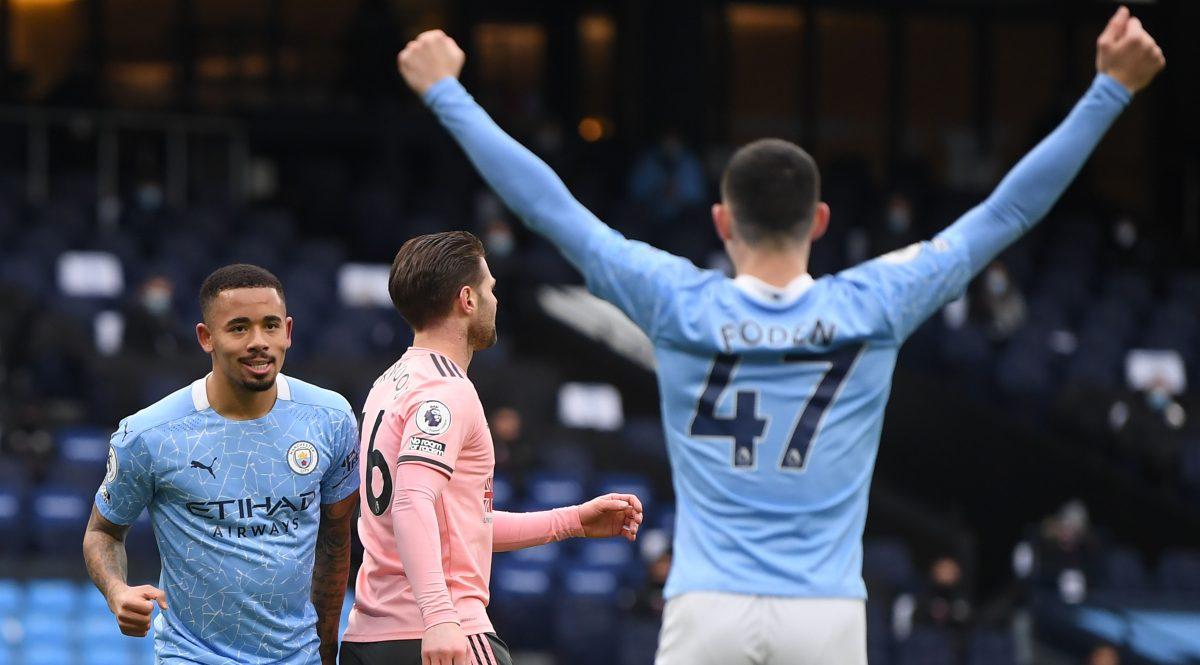 Manchester City suma doce victorias consecutivas y es más líder