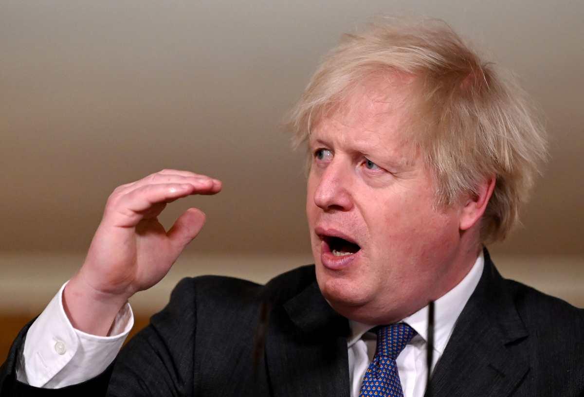 Boris Johnson dice que variante británica del coronavirus parece ser más mortífera