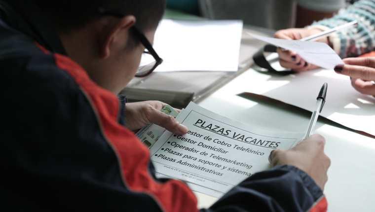 Durante la feria virtual del empleo de la Cámara de Industria se llevarán a cabo conferencias y capacitaciones. (Foto Prensa Libre: Hemeroteca)