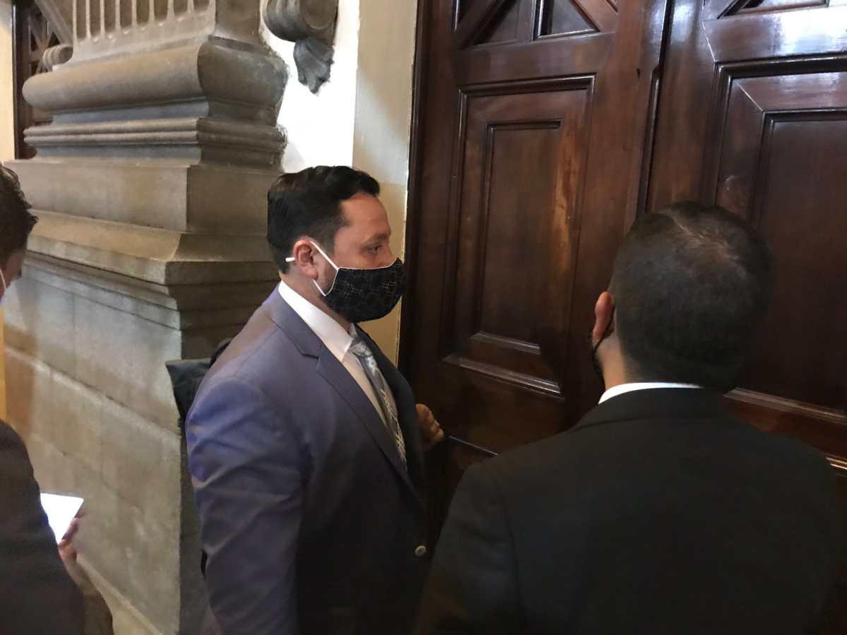 Ministro de Gobernación cumple dos meses en interpelación sin responder una sola pregunta